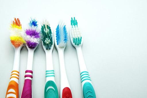 เลือกแปลงสีฟัน